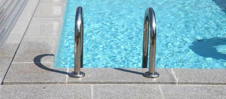 bazén a 019